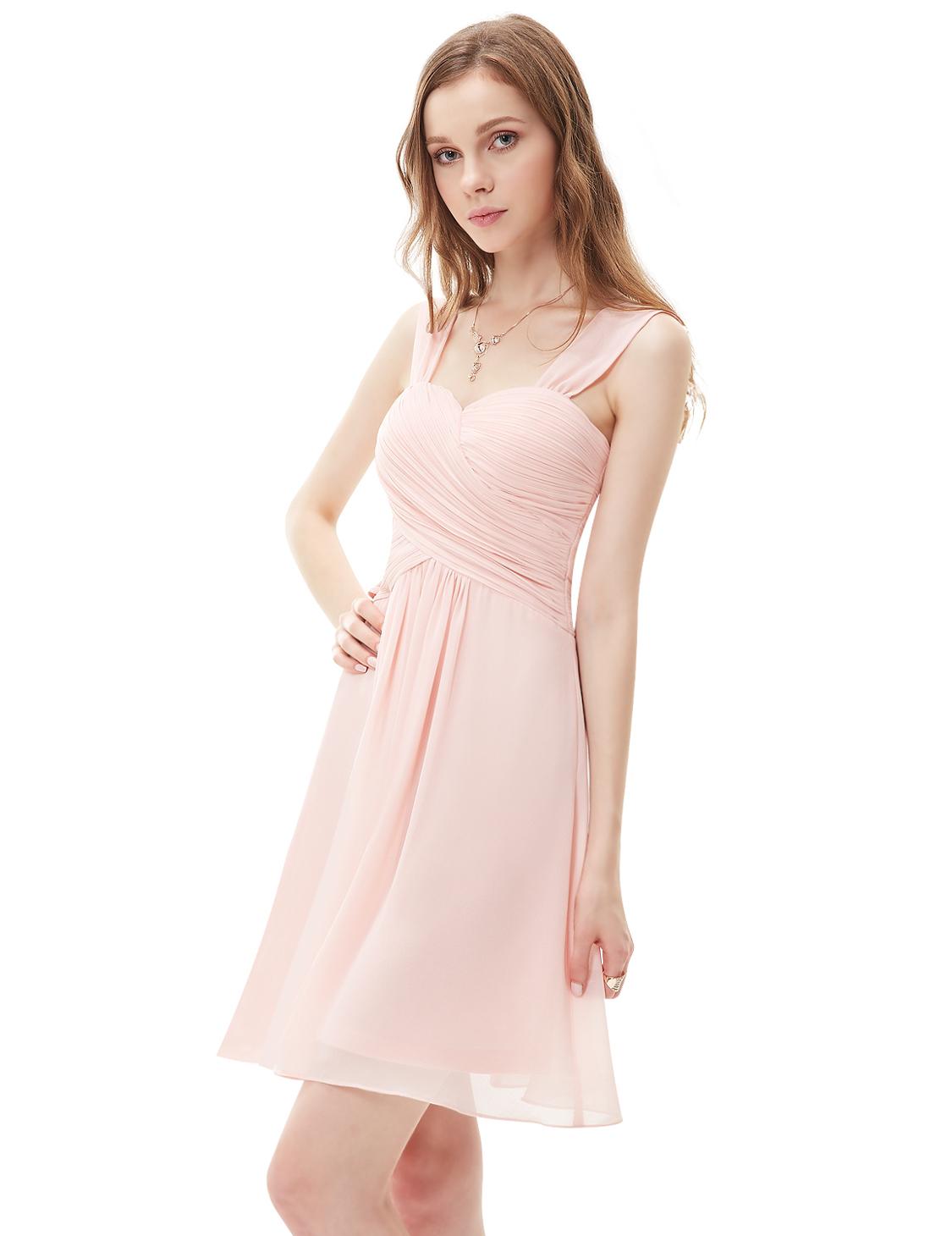 Нежно розовое короткое платье